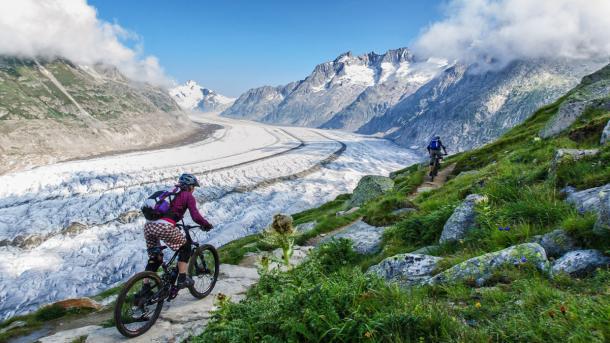 Mountainbiker im Wallis
