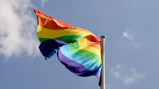 #MeQueer: Zehntausende twittern über homo- und transgenderfeindliche Erfahrungen