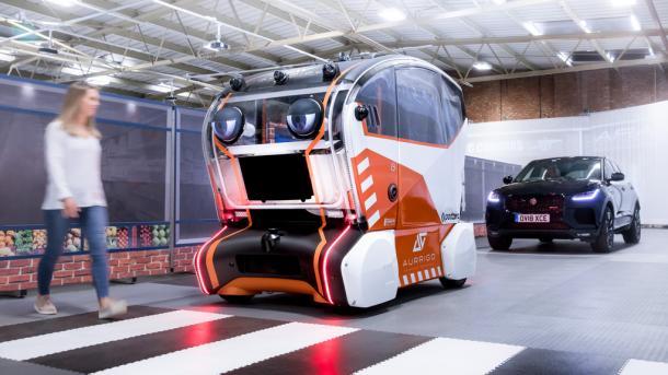 "Autonomes Fahren: Selbstfahrende Autos sollen ""Blickkontakt"" aufnehmen"