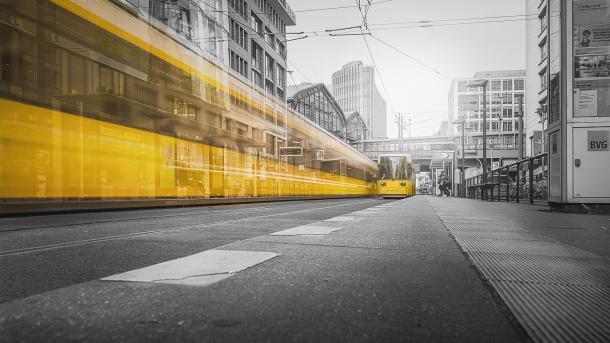 Schluss mit Kleinstaaterei im ÖPNV: Eine App für alle Verkehrsverbünde