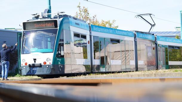 Probelauf: Erste selbstfahrende Straßenbahn in Potsdam unterwegs