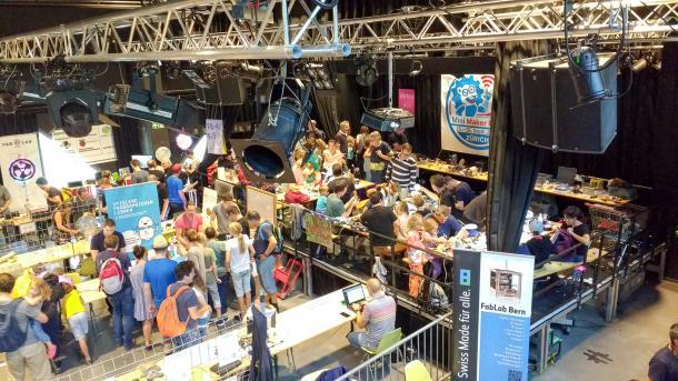 Blick ins Jugendhaus Dynamo während der Mini Maker Faire Zürich 2018