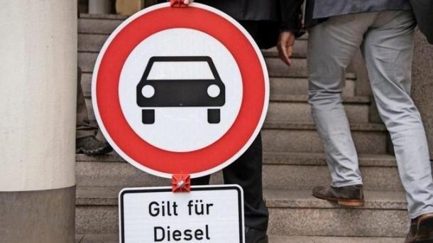 Abgas-Skandal: Autoindustrie und Politik loten auch Hardware-Nachrüstungen aus
