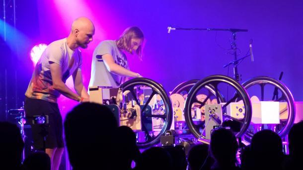 Mammoth Beat Organ: die modulare Zwei-Mann-Musik-Maschine