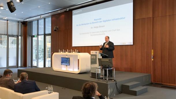 Gigabit: Kanzleramtschef wirbt für Recht auf superschnelles Internet