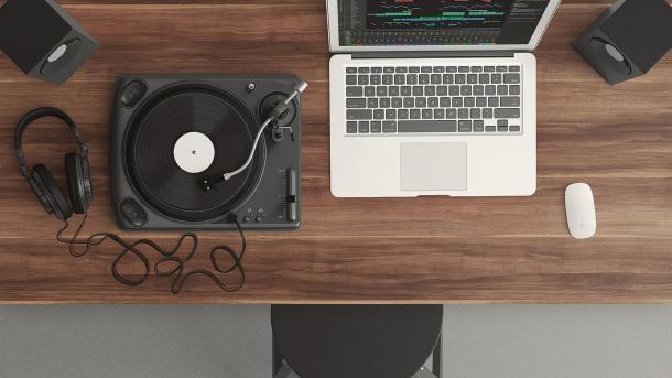 Missing Link: Musik ohne Musiker? KI schwingt den Taktstock