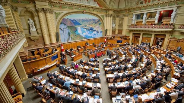 Nationalrat entscheidet über Revision des Urheberrechts in der Schweiz