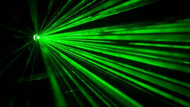 Grüne Laserstrahlen