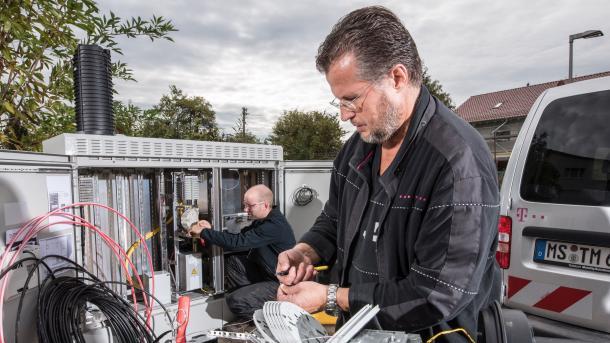 Telekom hat Glasfasernetz-Ausbau beschleunigt