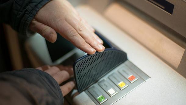 Weniger Datenklau an Geldautomaten - Schaden sinkt auf Rekordtief
