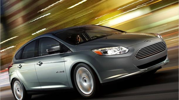 Ford will in Europa alle Modelle auch elektrisch anbieten und Stellen abbauen