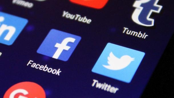 Russland wirft Facebook und Twitter Verstöße bei Datenspeicherung vor
