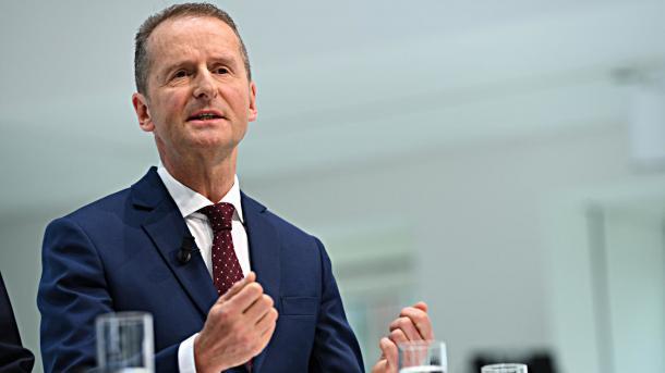 VW-Chef Diess gibt Verantwortung für Software-Entwicklung ab