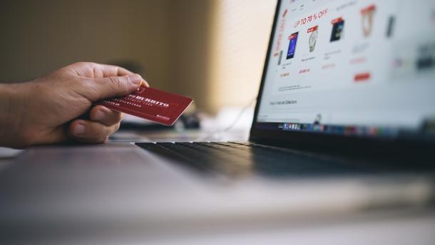 "Verhandlungen über E-Commerce ""unter Freunden"""