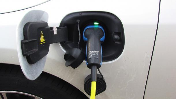 Kieler Regierung steigt zunehmend auf Autos mit E-Antrieb um