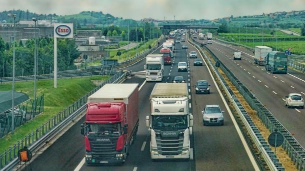 Klimaschutz in der EU: Busse und Lkw sollen 30 Prozent weniger CO2 ausstoßen