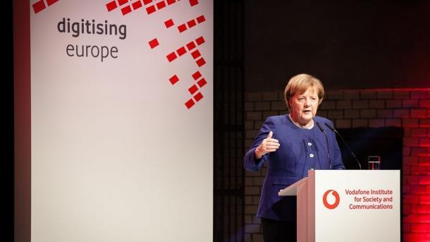 Internetökonomie: Merkel zweifelt an globalen Akteuren made in Europe