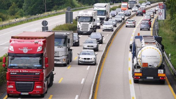 Verkehrssicherheit: EU-Abgeordnete stimmen für Unfalldatenspeicher und Alcolocks