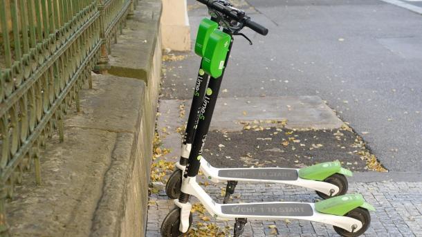 Bundesverkehrsminister sieht großes Potenzial für  Elektro-Scooter