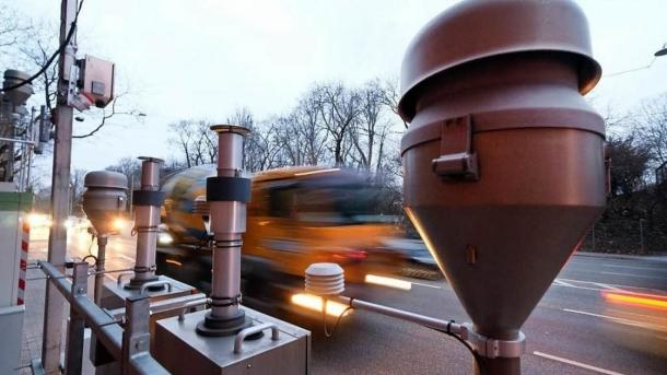 Umweltministerin lässt Abgas-Messstationen prüfen