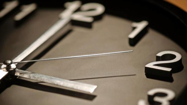Sommerzeit: EU-Parlamentsausschuss will Uhrumstellung abschaffen