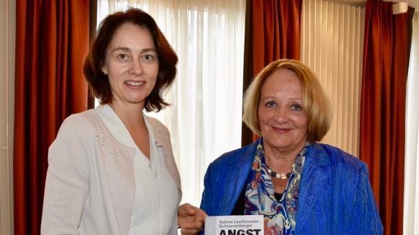 Leutheusser-Schnarrenberger: Schonungslose Analyse der Gefahren für die Freiheit