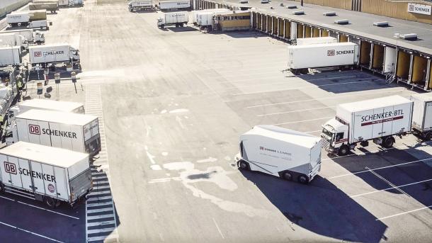 """Autonomer Lkw ohne Führerhaus: DB Schenkers """"T-pod"""" darf auf schwedischen Straßen fahren"""