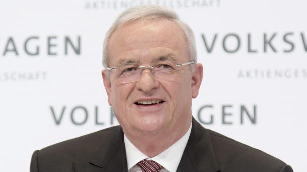 "Martin Winterkorn, dahinter Schriftzug ""Volkswagen"""