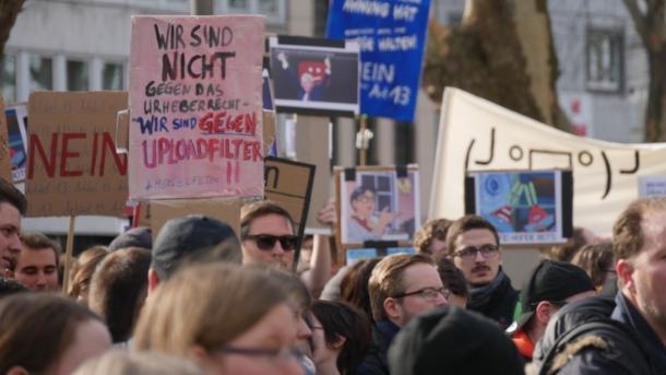 Upload-Filter: Lobbyschlacht zur Copyright-Reform geht innenpolitisch weiter