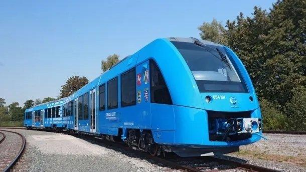 Wasserstoff statt Diesel: Neuartige Züge bewähren sich im Betrieb