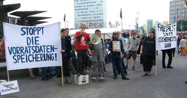 """Kundgebung auf der Demonstration """"Freiheit statt Sicherheitswahn"""""""