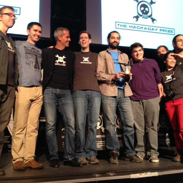 Der Preisträger trägt auch Bart: ierros Papadeas hat mit SatNog