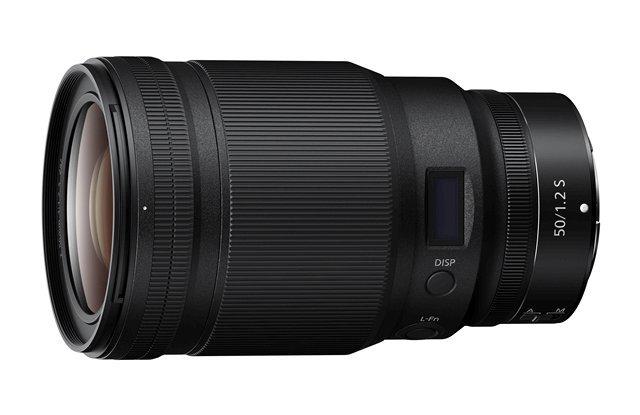 Edel 50er: Das Nikkor Z 50 mm 1:1.2 ist eine besonders lichtstarke und hochpreisige Normalbrennweite. Ein 50er ist die Allzweckwaffe im Kamerakoffer. Übrigens: Auch das Nikon-F-System kennt ein 50 mm 1:1.2 - es hat allerdings eine bedeutend einfachere Konstruktion und kostet nicht einmal die Hälfte des Z-Objektivs.