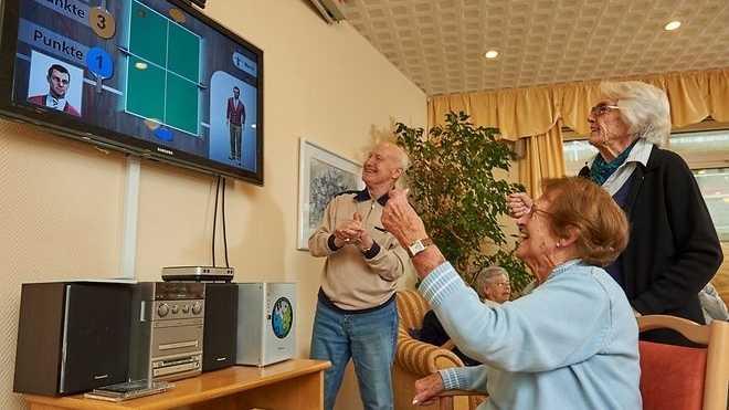 Zocken im Pflegeheim: Haben Videospiele therapeutischen Effekt?