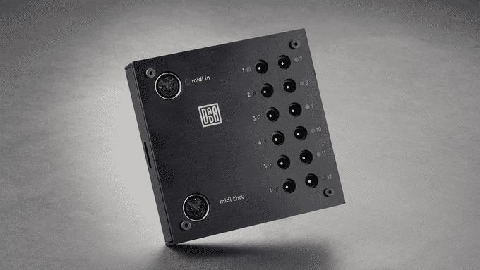 Der MIDI-Controller lässt sich per USB oder DIN-Buchse anschließen, eine CV-Erweiterung ist geplant.