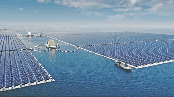 Das Solarkraftwerk von Huainan schwimmt auf einem gefluteten Tagebau. 165.000 Solarpaneele sind dafür verbaut.