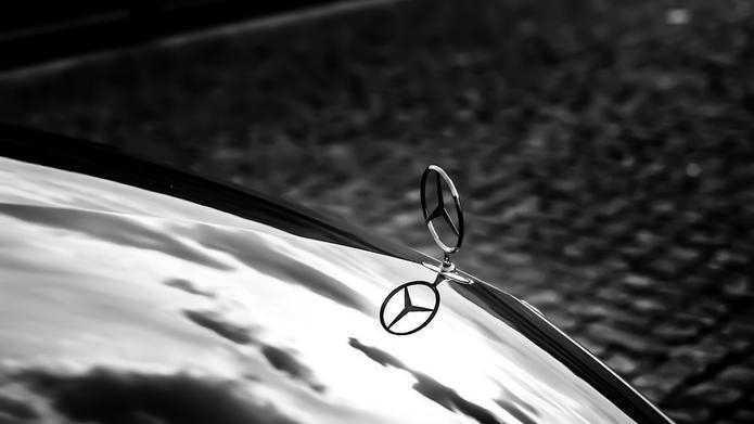 Mercedes-Benz-Bank startet Kfz-Versicherung mit überwachtem Fahrverhalten
