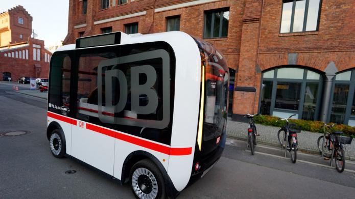 Olli Bus mit DB Logo