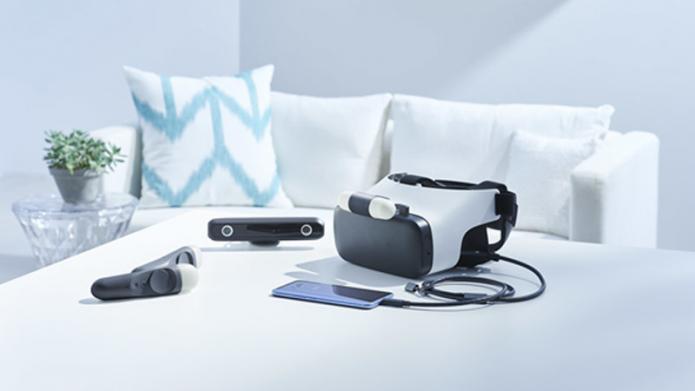 Das HTC-Link-System kommt mit Headset Stereo Kamera und zwei Controllern
