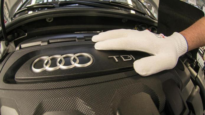 Ärger im Abgas-Skandal: Audi-Chef spricht sich mit Dobrindt aus