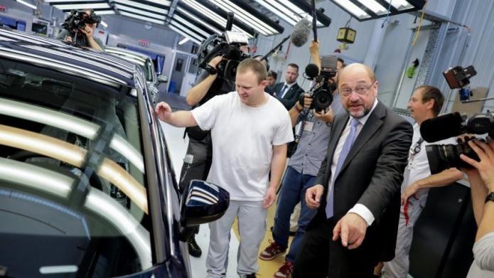 Schulz für Einführung einer verbindlichen Quote für Elektroautos