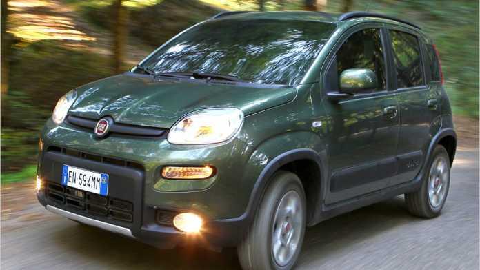 Fiat Panda 4x4: Die Legende sagt, es gebe den Allradler nur, weil Ex-Fiat-Chef Luca die Montezemolo damit zu seinen Weinbergen fahren konnte.