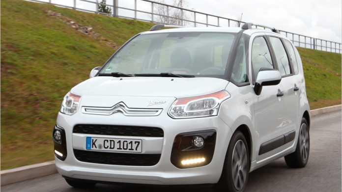 Der Citroën C3 Picasso gerade ein Facelift. Neu ist unter anderem das LED-Tagfahrlicht.