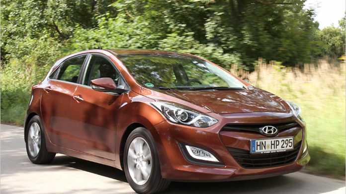 Gut im Form: Mit ansprechendem Design greift der Hyundai i30 den VW Golf an.