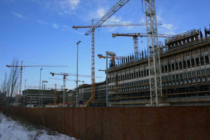 Das neue Hauptquartier des BND in Berlin im Bau