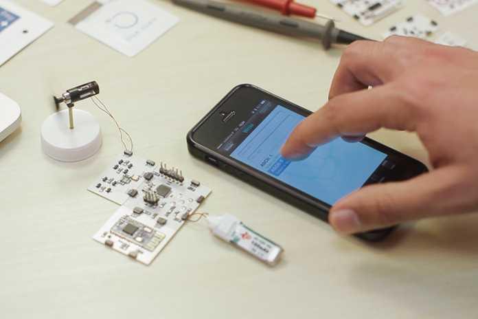 Mit einer Smartphone-App und dem Bluetooth-Modul lassen sich die Printoo-Aufbauten fernsteuern.