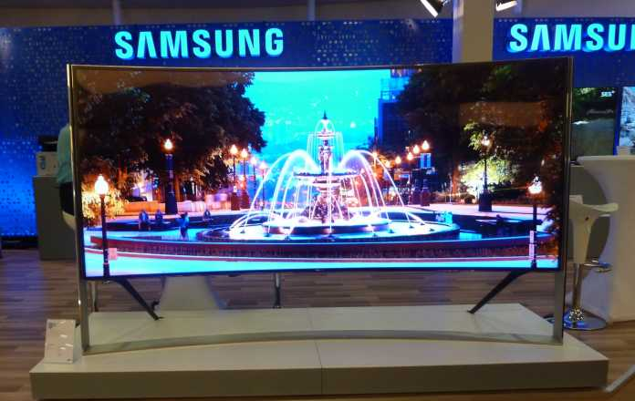 Samsung will seine LCD-TVs künftig außer mit Ultra-HD-Auflösung und Krümmung auch mit Quantenpunkten verbessern.