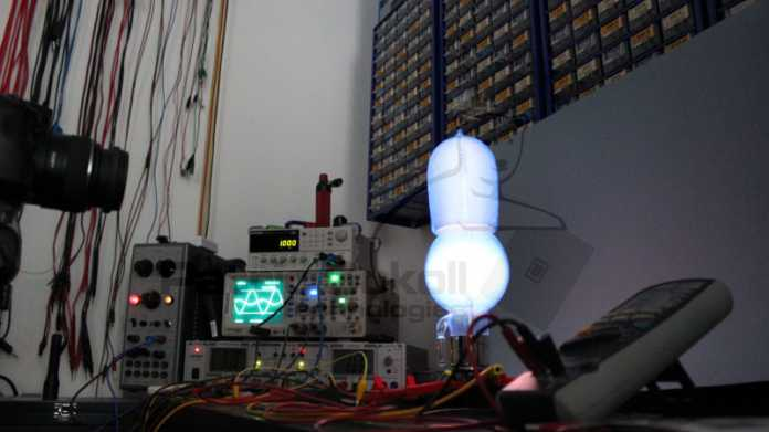 102 Jahre alte Verstärkerröhre in Betrieb