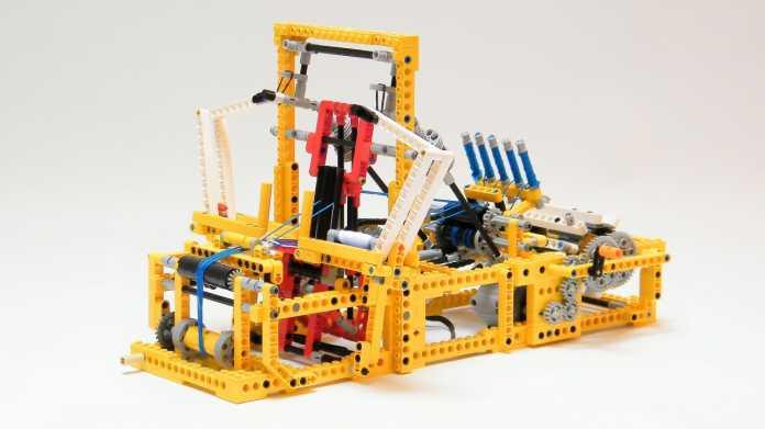 Tüftler bauen Mini-Webstuhl und 3D-Drucker aus Lego