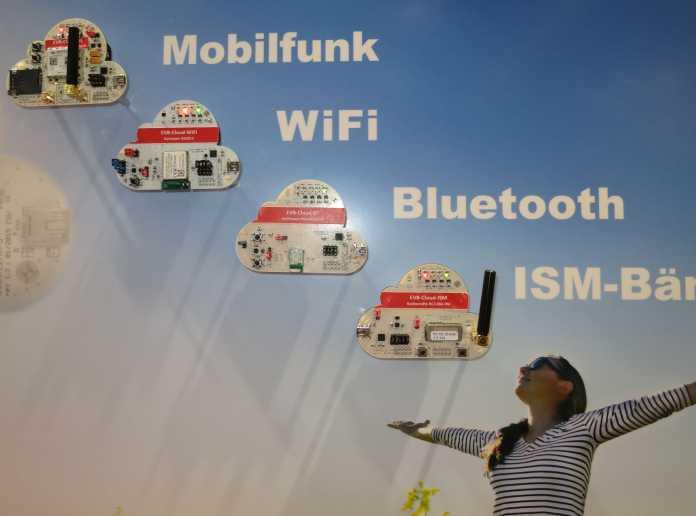 Weitere Module sollen demnächst noch andere Funktechniken erschließen. ZigBee ist zwar nicht explizit aufgeführt, gehört aber zu den Protokollen, die das ISM-Modul verstehen soll.